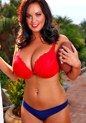 Sarah Nicola Randall gets in the mood for football